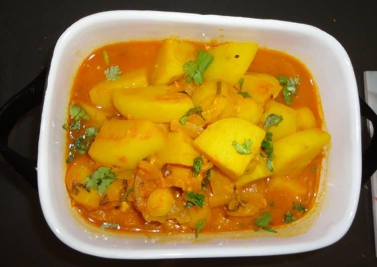 Potato & Carrot Curry Recipe by Beula Pandian Thomas - Cookpad