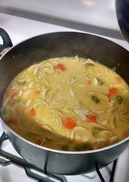 how to make chicken soup from carcass in slow cooker