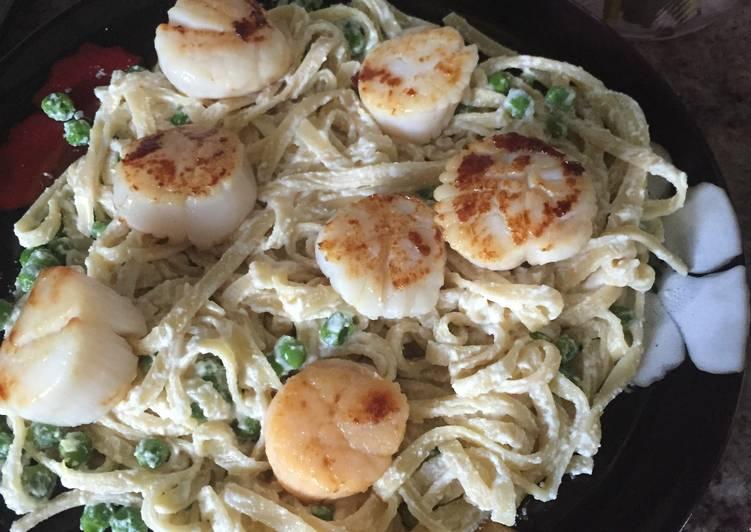 Lemon Ricotta Pasta With Seared Scallops