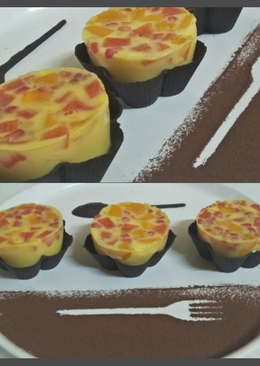 Mix fruits milk jelly pudding in chocolate basket