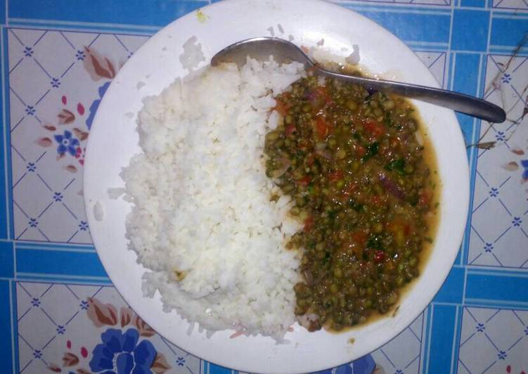 Boiled Rice And Green Grams Stew