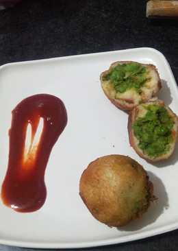 Bread roll filling only green peas