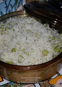 Steamed Rice with Edamame and Vegetable Stock (One Pot Recipe)