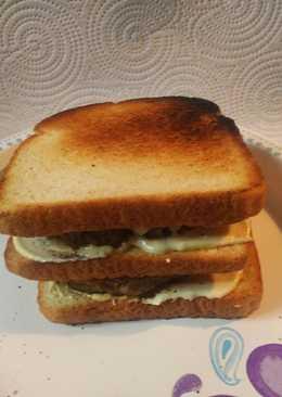 Spicy Sausage Sandwich