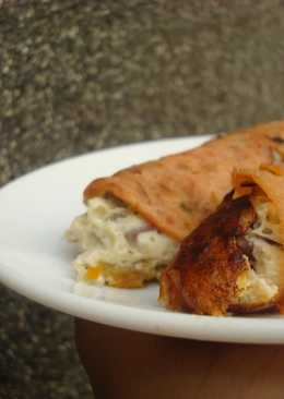 Paleo: Salami wrapped frittata