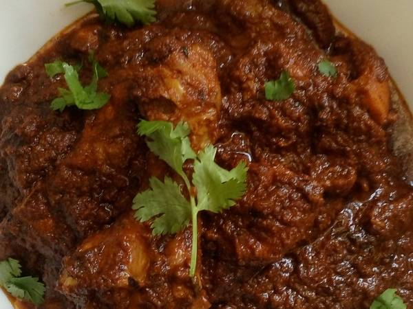 Hyderabadi Lal murgh (Dum chicken)