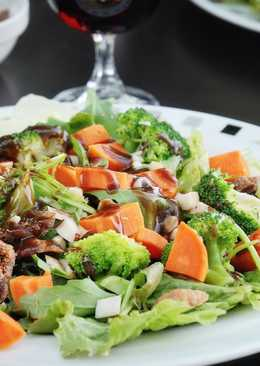 Salad with figs, sweet potatoes and broccoli
