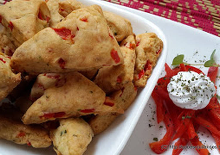 Minty buttermilk scones with cheese & bell pepper
