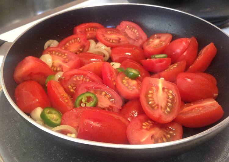 Plum tomato fry