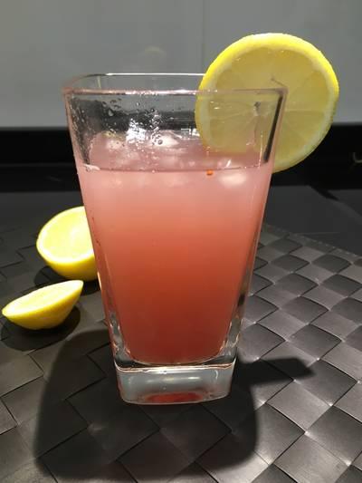 Detox pink lemonade 👌🏻