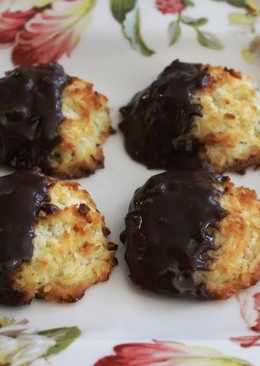 resep masakan chocolate dipped eggless coconut macaroons with cardamom flavour