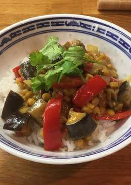 Coconut & Lime Dhal with Aubergines & Peppers