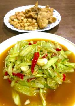 Som tam Tang  (Cucumber spicy salad)