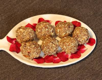 Oats, Dates and Dry Fruits Laddu