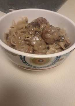 Easy Swedish Meatballs and Noodles
