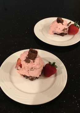 Strawberry Cream Brownie Sqares