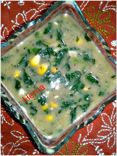 Creamy spinach corn soup
