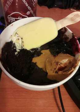 Microwave fudgy brownie mug cake