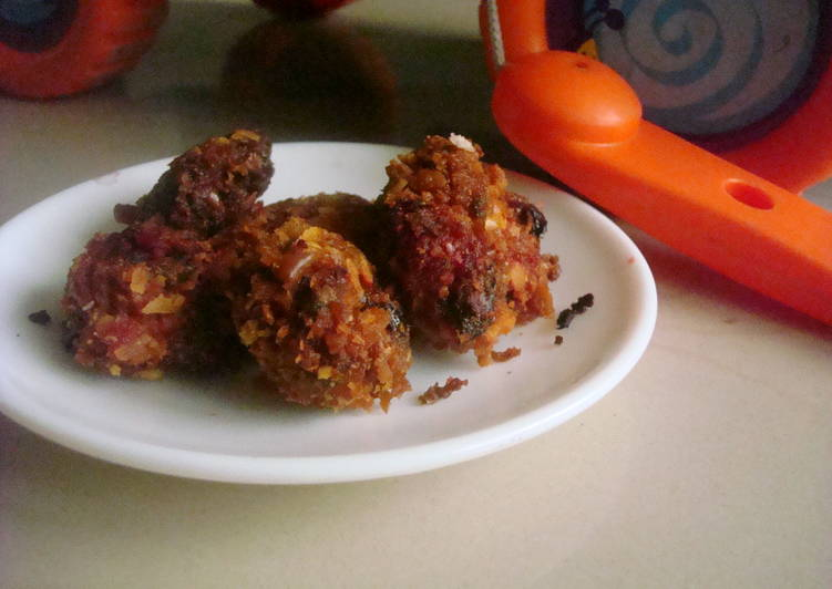 Red Spinach Fritters with a cheese cracker crust