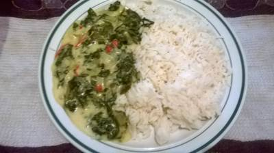 Spinach with turnip and red pepper