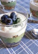 Greek yogurt with cereals with Matcha tea