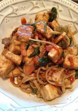 Tofu Noodle Toss with Peanut Sauce
