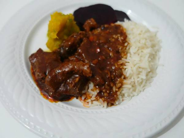 Beef stew in tasty tomato