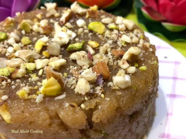 Sooji Besan Halwa (Rava Gramflour Pudding) – Dessert Recipe