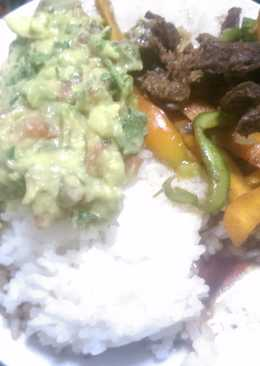 Rice and beef stew  with guacamole