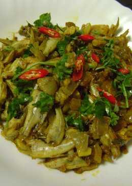 Moroula Macher Paturi (Anchovies cooked in Banana Leaf - Bengali Style)