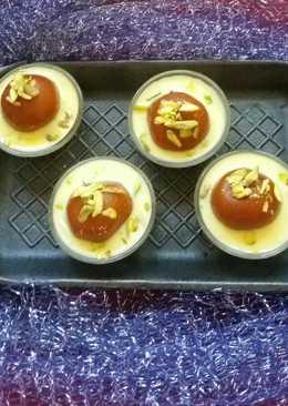 Gulab jamun with custard