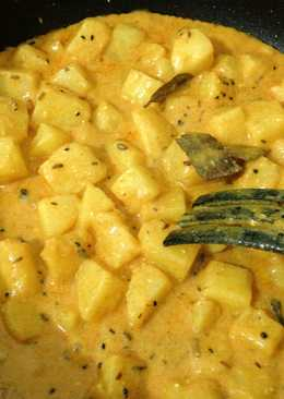 Chatpatey Aloo (Potatoes in a tangy spicy gravy)