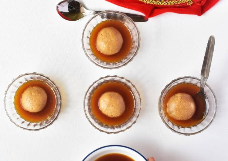 Nolen Gurer Rosogolla (Date Palm Jaggery Rosogolla) recipe main photo