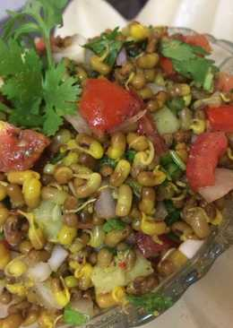 MOTH CHAAT (Sprouts)