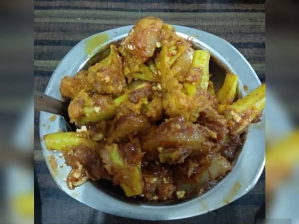 Aaloo gobhi veg