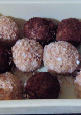 Coconut/Horlicks rolled white fudge balls