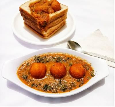 Bread kofta in pumpkin curry