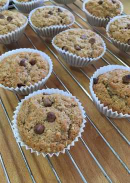 Cinnamon muffins with oats and fresh ginger