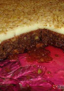 Karidopita with pudding