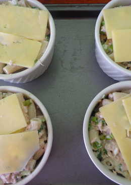 Sour Cream and Tuna Bake