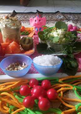 Shrikhand salad of herbal and fruit-nuts