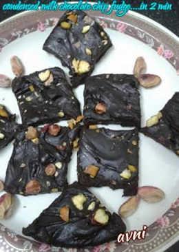 Condensed Milk Chocolate Chip Fudge