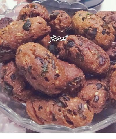Methi muthiya (snacks)