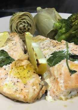Salmon roast in butter, lemon and coriander