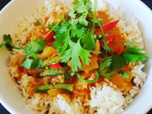 Thai red chicken curry #helpfulcook