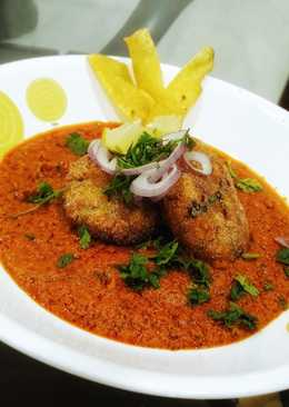 Yam Kofte with Spicy Coconut Curry and Yam Crispies