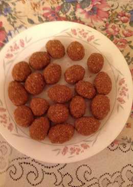 Cashew Balls