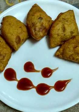 Leftover roti samosa