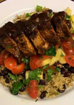 Jerk glazed pork fillet, pineapple salsa, rice and peas 🇯🇲
