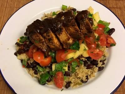 Jerk glazed pork fillet, pineapple salsa, rice and peas 🇯🇲